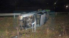 conductor que sufrio graves heridas al volcar en la autovia pelea por su vida