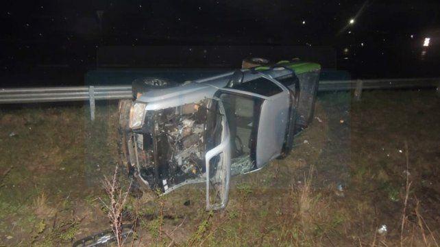 Conductor que sufrió graves heridas al volcar en la Autovía pelea por su vida