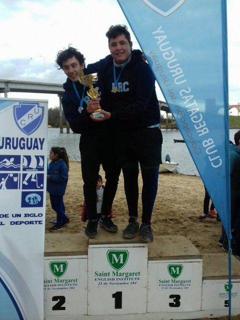 El Rowing se adjudicó la Copa 114° Aniversario del Club Regatas Uruguay