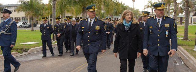 Sentido homenaje a los policías caídos en cumplimiento del deber
