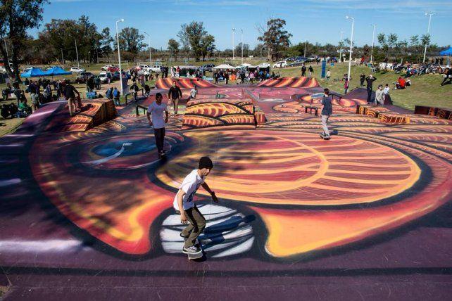 Cortaron la cinta y organizaron una gran fiesta en el skatepark de Concordia