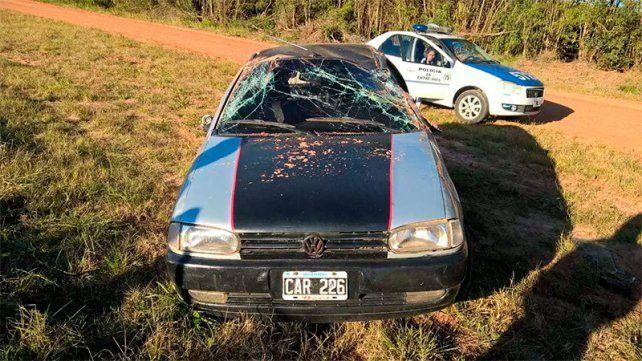 Volcó un auto y una bebé se quemó con el agua del termo que llevaban