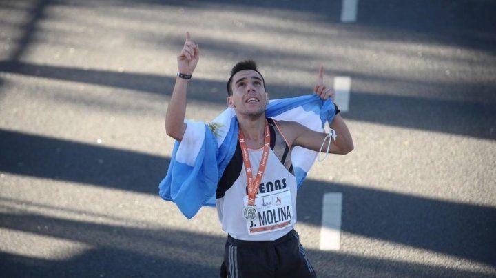 Julián Molina, el paranaense campeón que vendió empanadas para poder correr