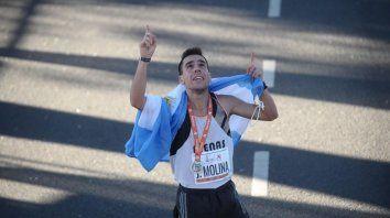 maraton de buenos aires: el argentino mas rapido es un paranaense que vendio empanadas para poder participar