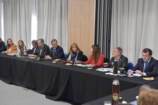 Gabinete. El gobernador se reunió con los principales funcionarios para analizar la marcha de la gestión.
