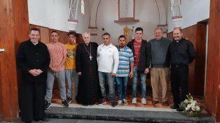 Iniciativa. Religiosos y laicos realizan una loable labor para ayudar a jóvenes con problemas de adicción.