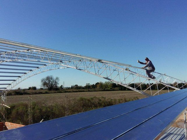 Valerio trabajando en las alturas.