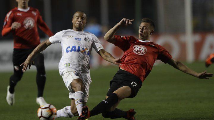 El partido del Rojo con el Santos se suspendió por incidentes