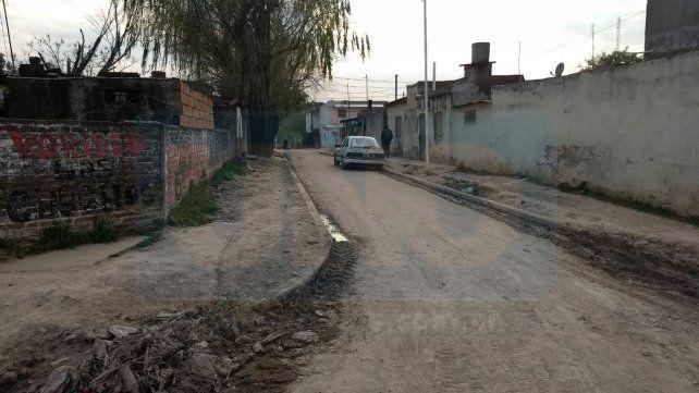 Cerca de las 20.30 del martes se alertó a la Policía y al sistema de emergencias de la existencia de un hombre apuñalado y golpeado severamante en cortada 1269