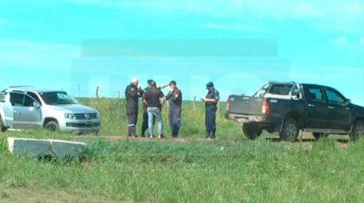 Hallazgo. La camioneta fue encontrada frente al campo de los Erro.