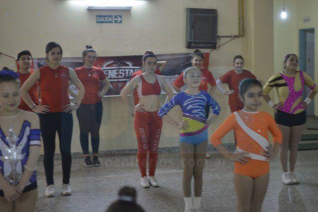 Una muestra de gimnasia aeróbica deportiva