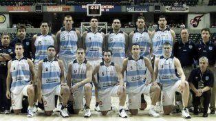 Tremendo. El Toro Palladino con la 14 y Manu con la 5. Argentina fue subcampeón del mundo en 2002.
