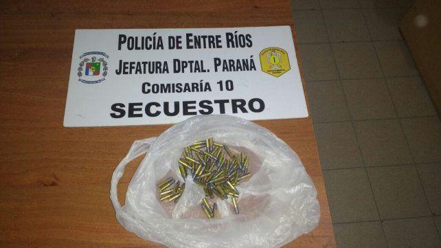 Balaceras. En el allanamiento de hoy se incautaron 81 proyectiles calibre 22.