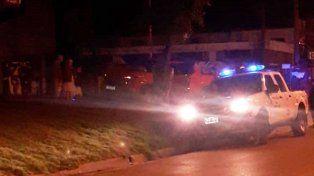 Paraná: Conductor ebrio terminó con su camioneta nueva en la vereda
