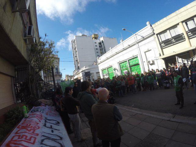 Protestaron por los despidos en la subsecretaría de Agricultura Familiar en Entre Ríos
