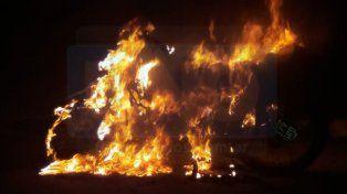 Devastador. El incendio destruyó por completo a la motocicleta.