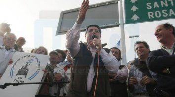 Otros tiempos. En el 2008, De Angeli encabezó los cortes de ruta en contra de las retenciones. Foto: Diego Arias.