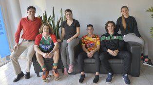 Acompañados. Los jugadores paranaenses visitaron Diario UNO junto al dirigente Dino Blanc