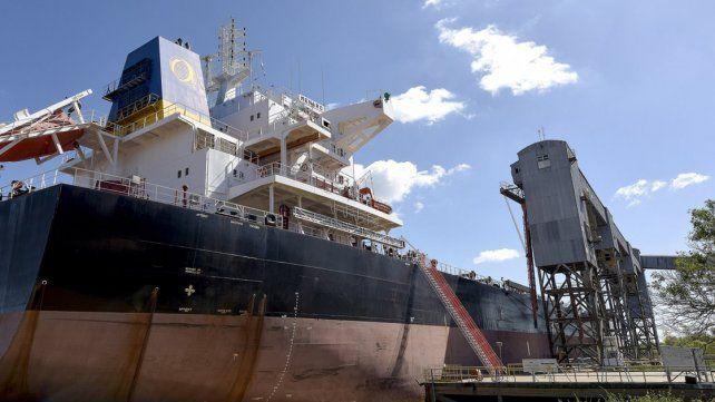 Se oficializó la retención adicional de 12% a todas las exportaciones