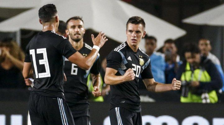 Argentina goleó 3 a 0 a Guatemala