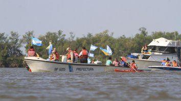 en el rio y en la costa, bajada grande festejo su fiesta patronal