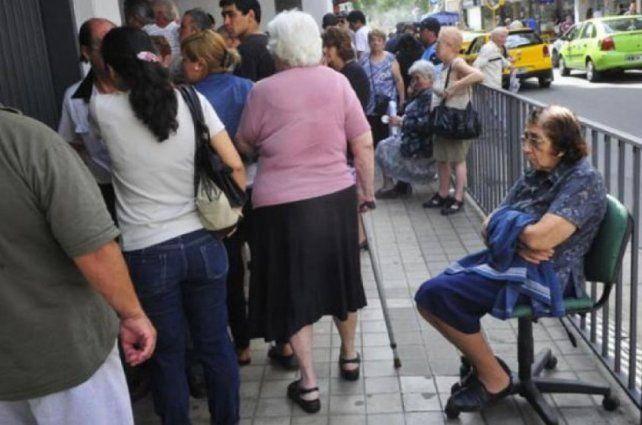 Los haberes de los jubilados quedarán casi de 12 puntos por debajo de la inflación
