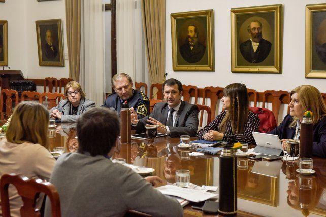 Gabinete. Kueider encabezó la reunión por la ausencia de Bordet y de Bahl (con licencia por enfermedad)