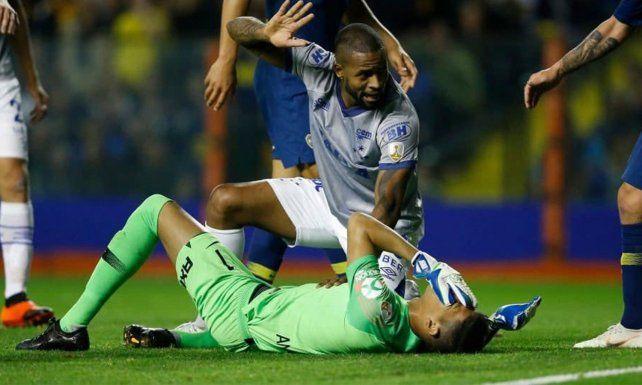 Esteban Andrada se fracturó el maxilar y estará dos meses al margen