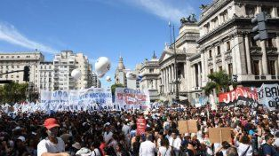 El Gobierno quiere evitar el paro nacional del martes