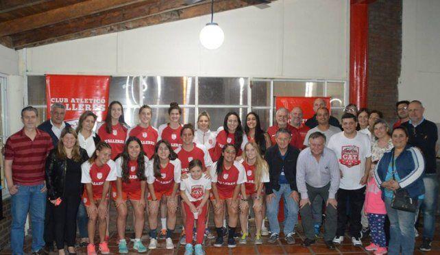 Talleres presentó su equipo