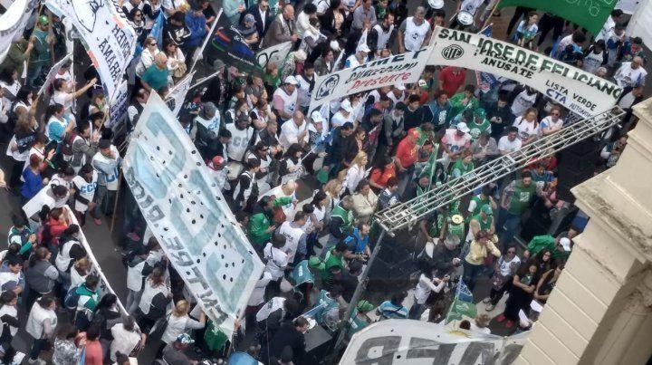 La Multisectorial marchó y protestó contra el ajuste