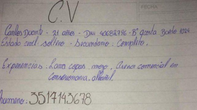 Encontró trabajo el joven que escribió su CV a mano