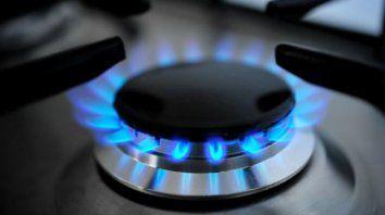 para atenuar el golpe, el gobierno divide en tres el aumento del gas