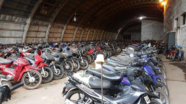 Acopio. Cientos de motos se fueron acumulando tras los controles.