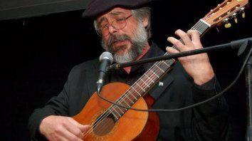 """Maldonado. """"La guitarra me educó el oído con que escribo""""."""