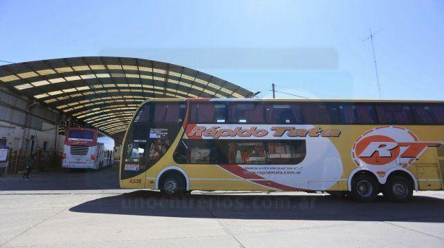 Frente a Flecha Bus protestaron por el despido de 37 trabajadores