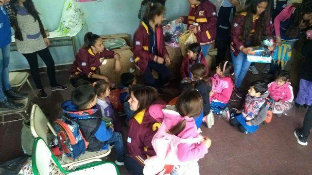 Con los niños de Feliciano.