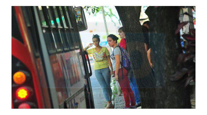 Las empresas de colectivo piden revisión de tarifas o reducciones de servicios