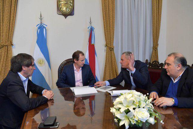 El gobernador junto al ministro Ballay