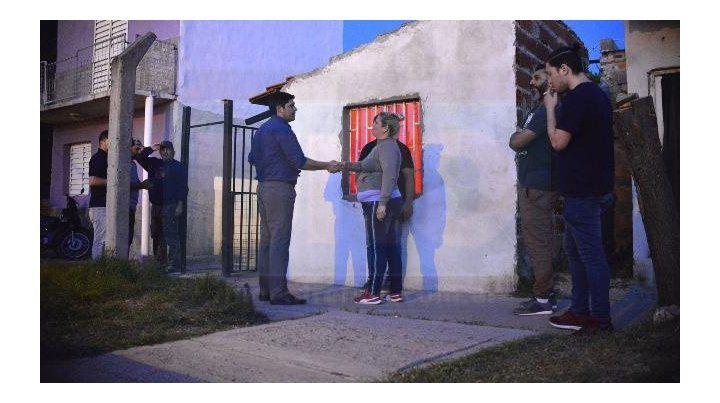 Requisa. La Policía encontró varias dosis de cocaína dentro de la vivienda. Foto: Mateo Oviedo.