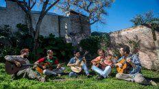 Excelencia. Carlos Aguirre Quinteto, es una agrupación de notables guitarristas. Se presentará en Paraná.