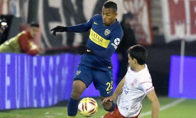 Velocidad. El colombiano acompañaría a Pavón y a Zárate en la delantera.