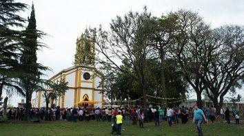 se celebra la fiesta patronal de una de las comunidades parroquiales mas antiguas de parana