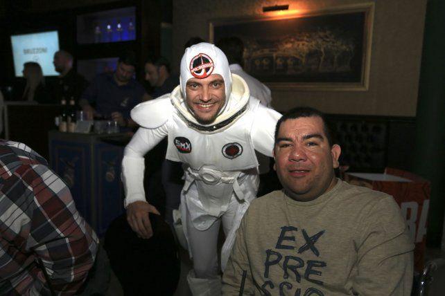 Ioy Uranga junto a uno de los invitados especiales.