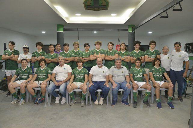 En el predio. El gimnasio que el Verde tiene en las instalaciones de Zapata y Huergo fue el escenario para la foto. En el medio
