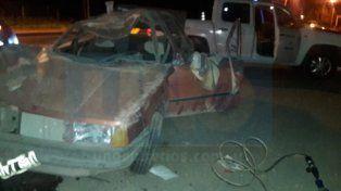 Vuelco en Paraná: El conductor del vehículo debió ser rescatado entre los hierros