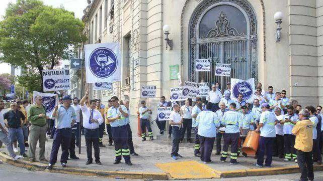 Empleados del Correo Argentino piden paritarias y estabilidad laboral