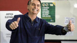 Bolsonaro y Haddad van al balotaje pero el derechista sacó gran ventaja