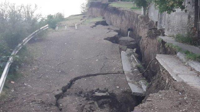 Alarma. Es inminente el desmoronamiento de la zona afectada e insisten en que los vecinos deben evacuarla.