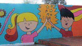 La escuela Melvin Jones inaugura este viernes un mural y una sala digital